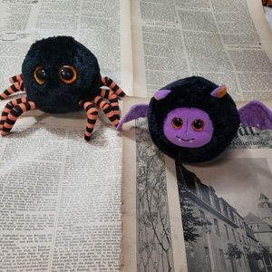 Adorable spider and bat plush.
